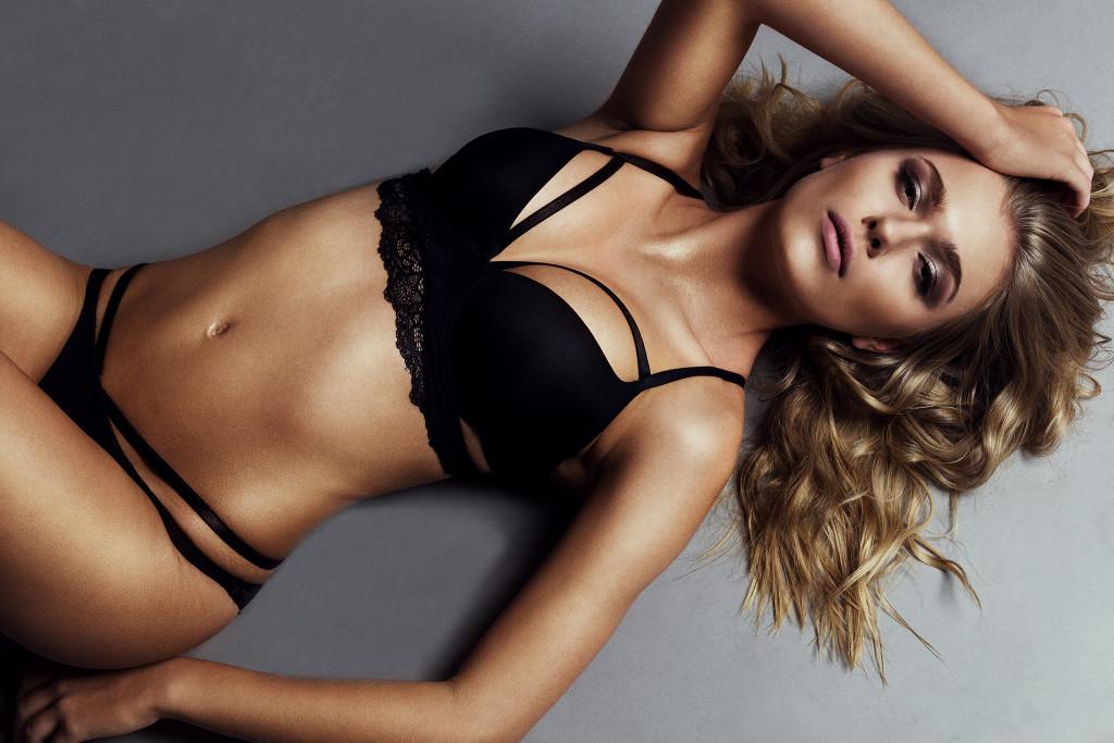 Photographer: Nico Socha / Model: Julia Z. / Hair & Make Up: Erika Sadlonova