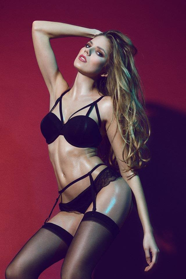 Photographer: Nico Socha / Model: Kelly Sue L. / Hair & Make Up: Erika Sadlonova