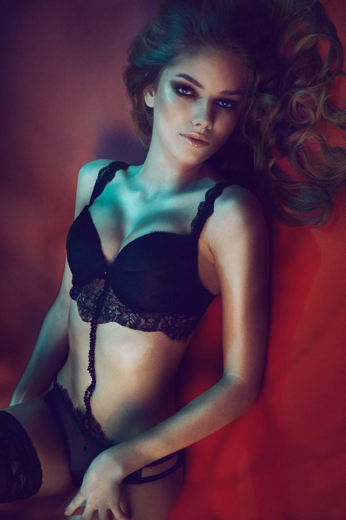 Fotogarf: Nico Socha Model: Kelly Sue L. H&M: Erika S.