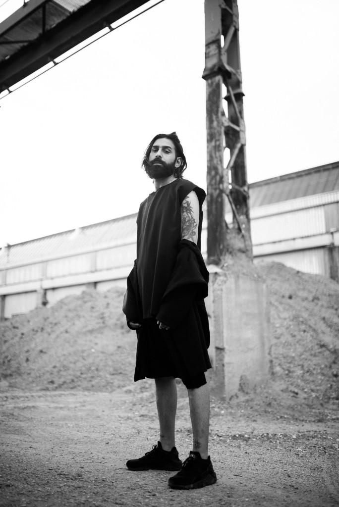 Photographer: Nicola Rehbein // Model: Arno Miran // Clothing: Masha Schubbach