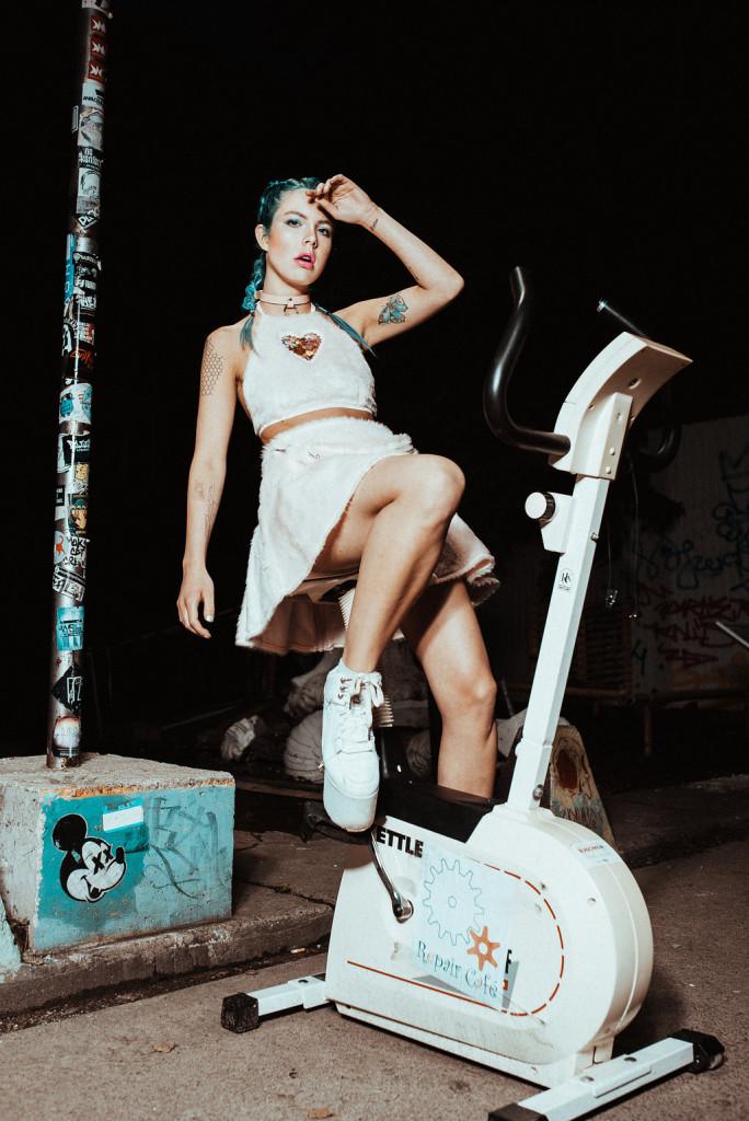 Photographer: Nicola Rehbein // Model: Avanya Tonks // Hair & Makeup: Julia Firefly // Shop: Coexist Berlin // Label: Indyanna